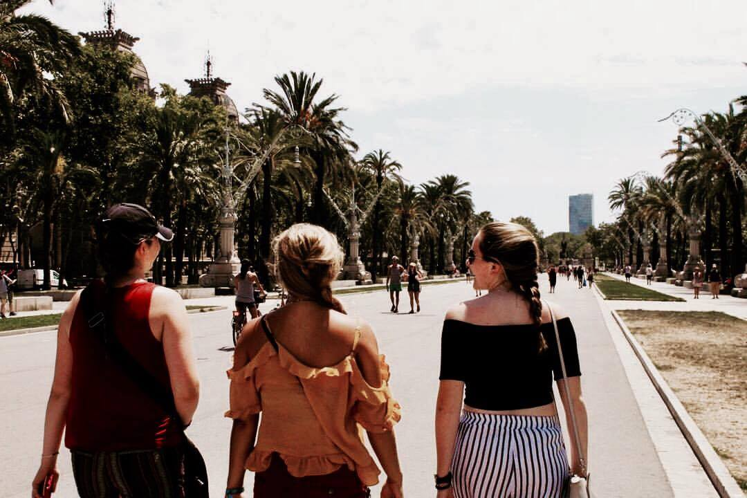 girls-abroad-PINC-barcelona